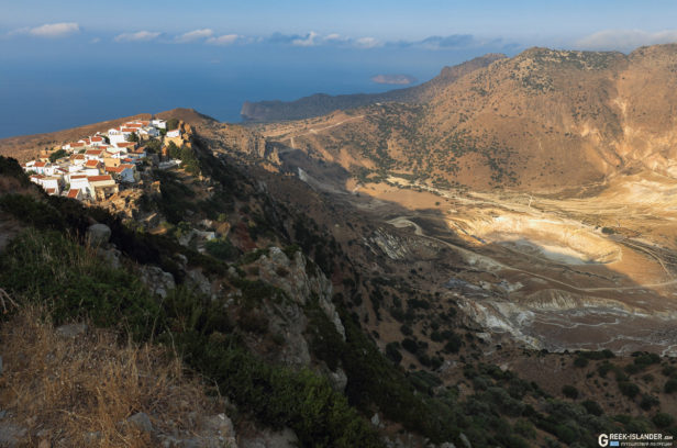 Деревня Никия и кальдера