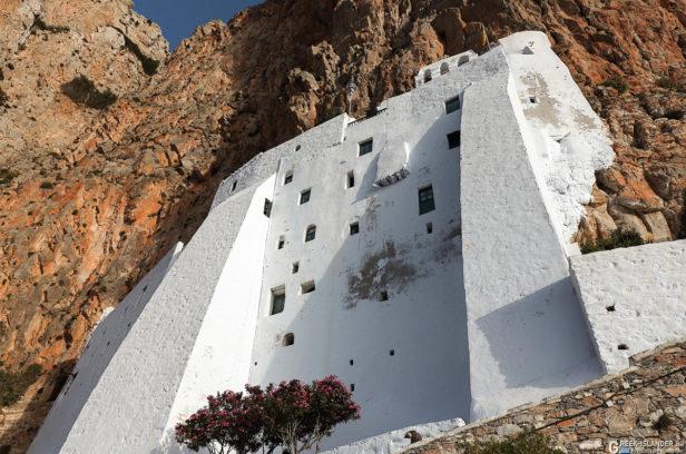 Южный фасад монастыря Панагиа Хозовиотиса