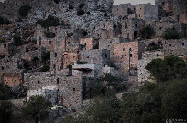 Покинутая горная деревня Анаватос