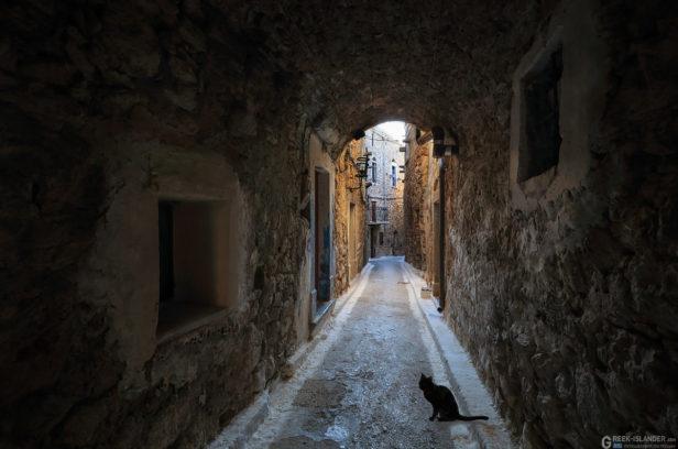 Остров Хиос, Греция. Средневековая мастиховая деревня Олимби