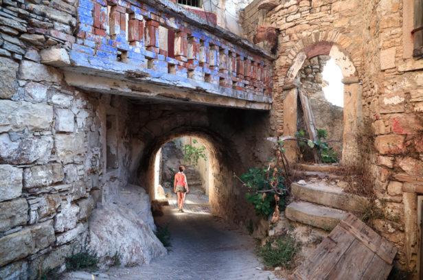 Остров Хиос, Греция. Мастиховая деревня Солопотами.
